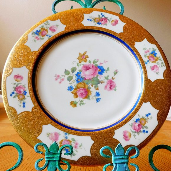 Concorde Dinner Plate with Gold Trim